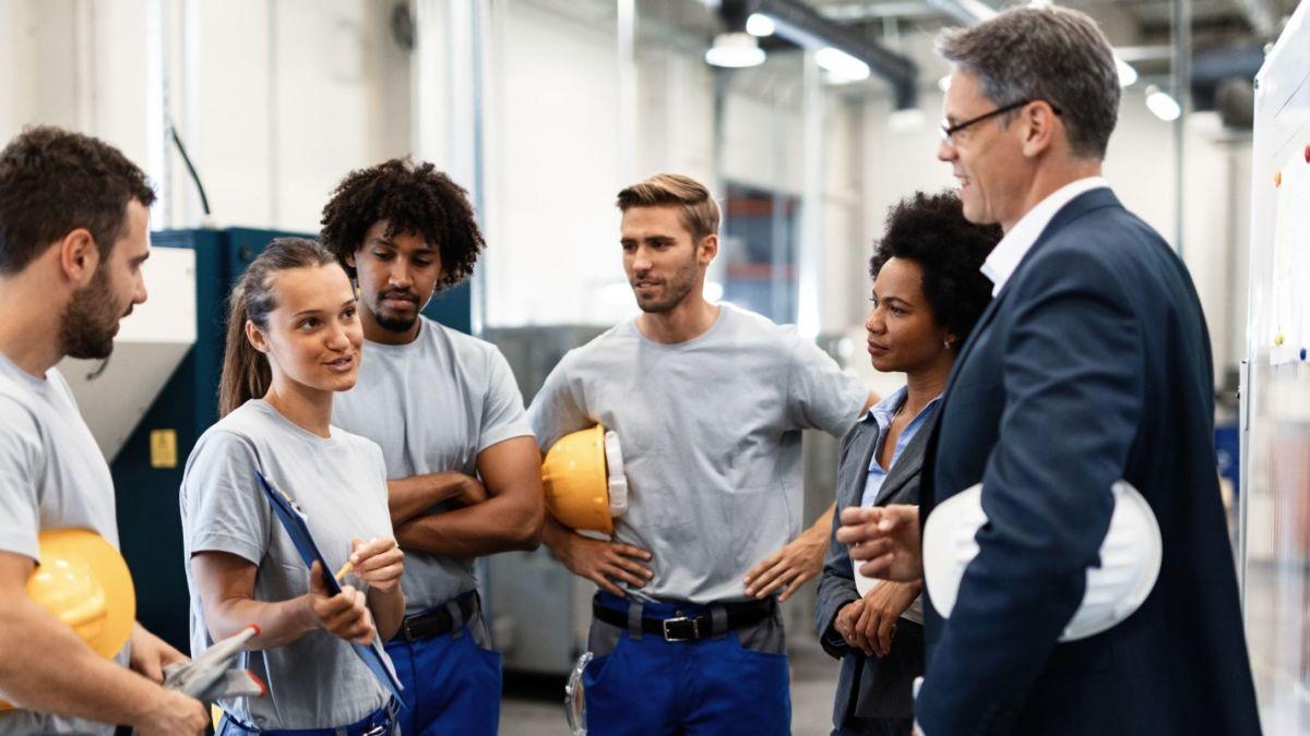 workers 4.0 nformed cross team decisions   WearHealth